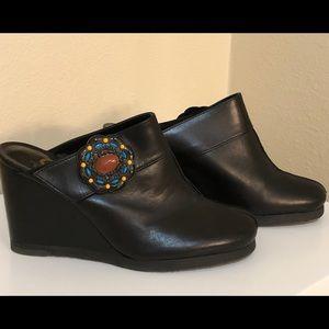 Giani Bini clog sandals.  Size 6